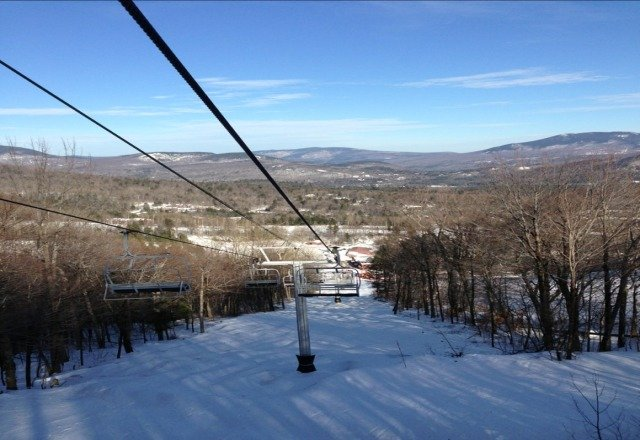 Yesterday was beautiful almost spring skiing conditions. Soft snow and pretty good coverage on all the open runs.