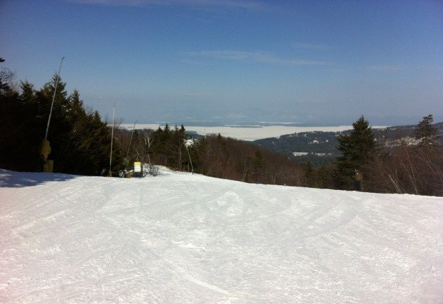 beautiful conditions and weather today. Light crowds and plenty of runs. A great NH ski day in February!