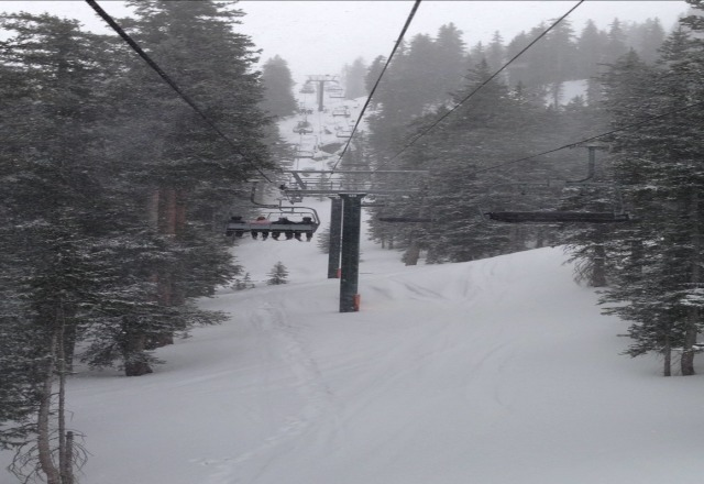 great conditions. it's been snowing all day. a few inches of powder on top of pack base, but enough powder that you dont feel it. this morning was beautiful.