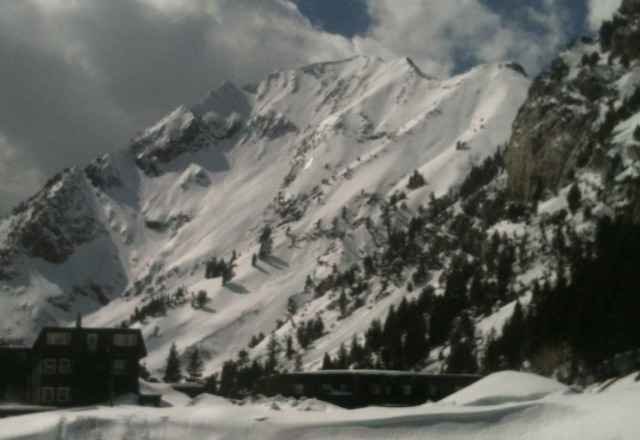 stayed at the cliff last week. hanging at the ib this week.Lots of new snow since we arrived on 4/12 report is sun for the next 4 days. Its gonna be 2 awesome weeks in little cottonwood!!