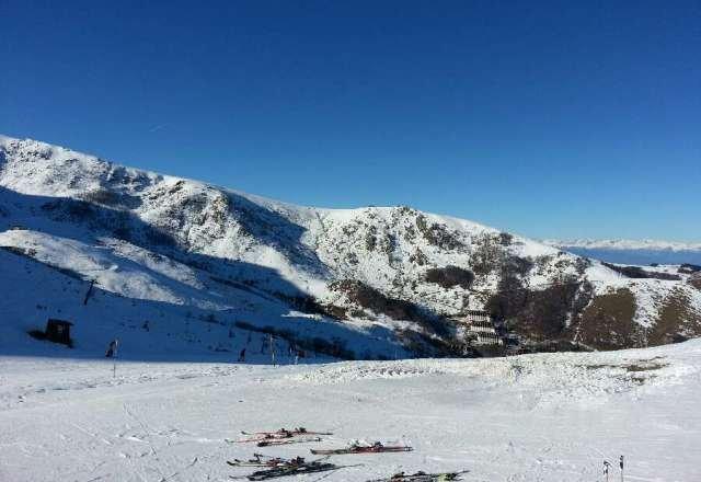 poca neve e un Po ghiacciata ma cmq abbastanza bella vista la situaZione neve dalle altri parti non ci lamentiamo!!