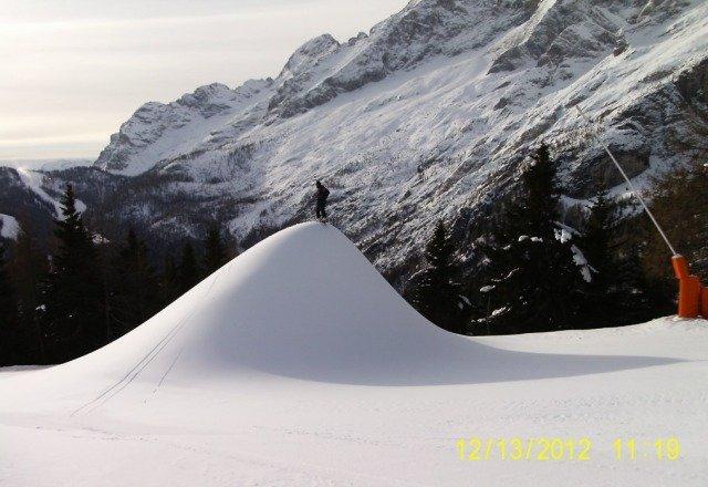 tanta neve ed anche tanta sparata a PALAFAVERA. Comprensorio Ski Civetta ... 0739dc15a289