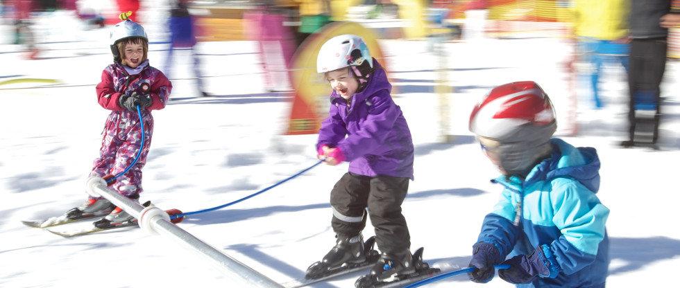Les joies du ski en famille - © Skilifte Balderschwang
