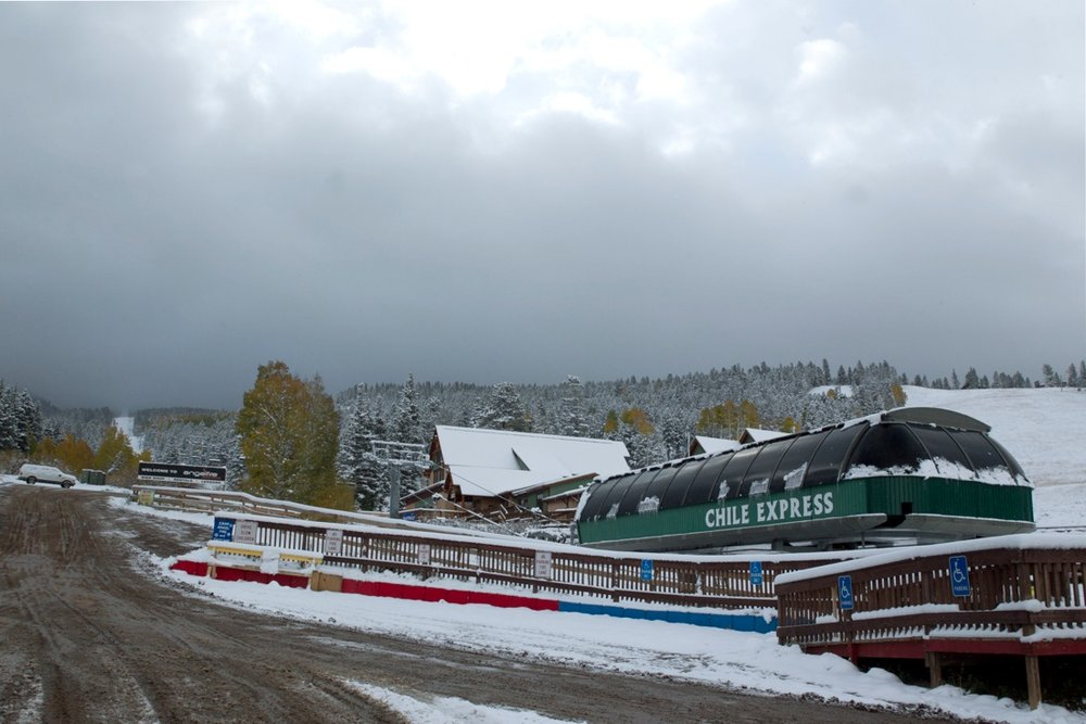 As much as 9 inches at the top of the mountain; 6 inches of powder at the base - © Angel Fire Resort