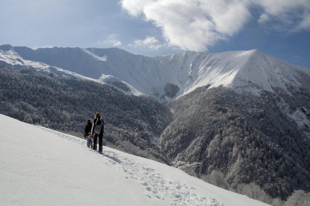 Simple balade de découverte ou randonnée sportive en raquettes à l'Alpe du Grand Serre - © Christophe STAGNETTO