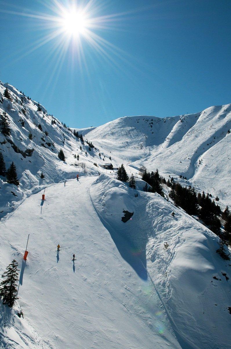 Le domaine skiable d'Oz en Oisans - © Images et Rêves