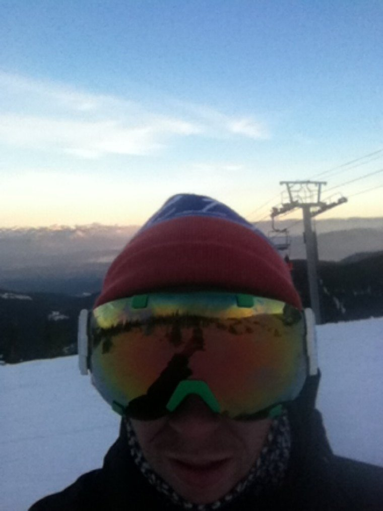 Day 1 was great! Plenty of snow and sun, goggle tans and tshirts in November!