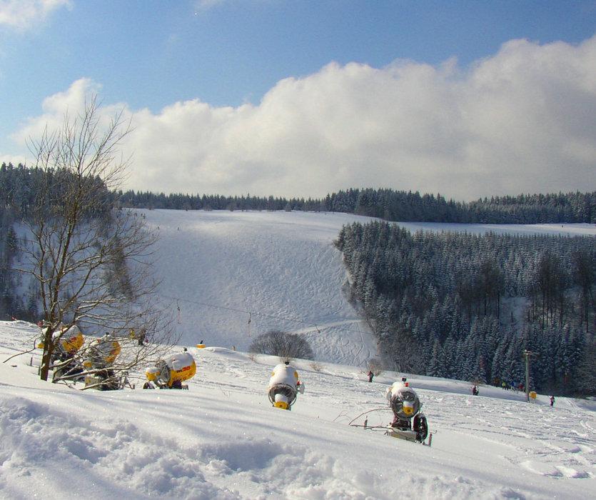 Schneekanonen - © Skikarussell Altastenberg