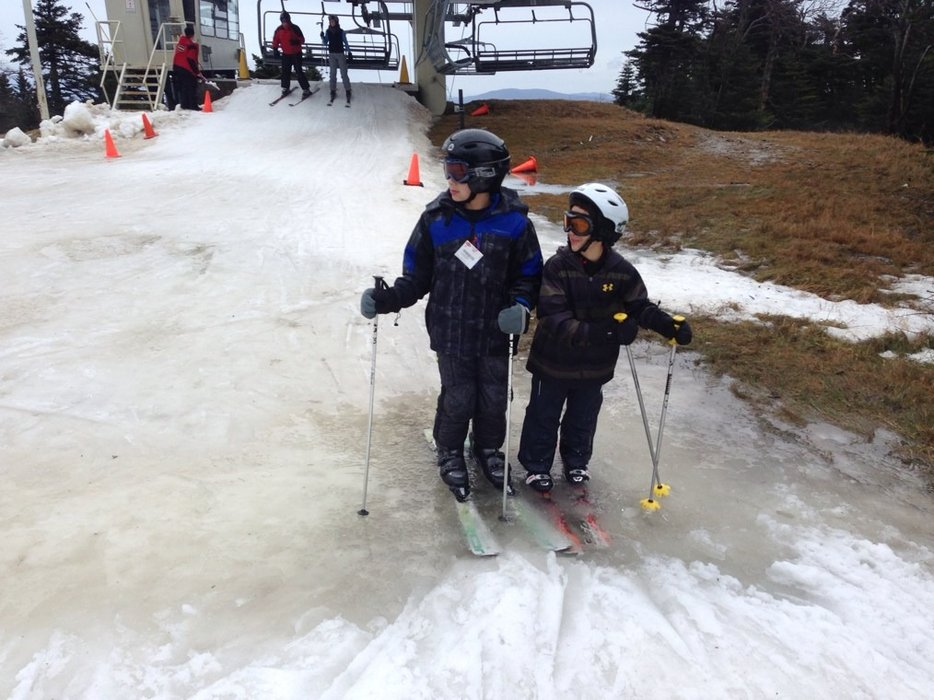 dec 22 soft snow and several runs skiiable but no way was 36 inches.  by end of day many puddles and total bare spots