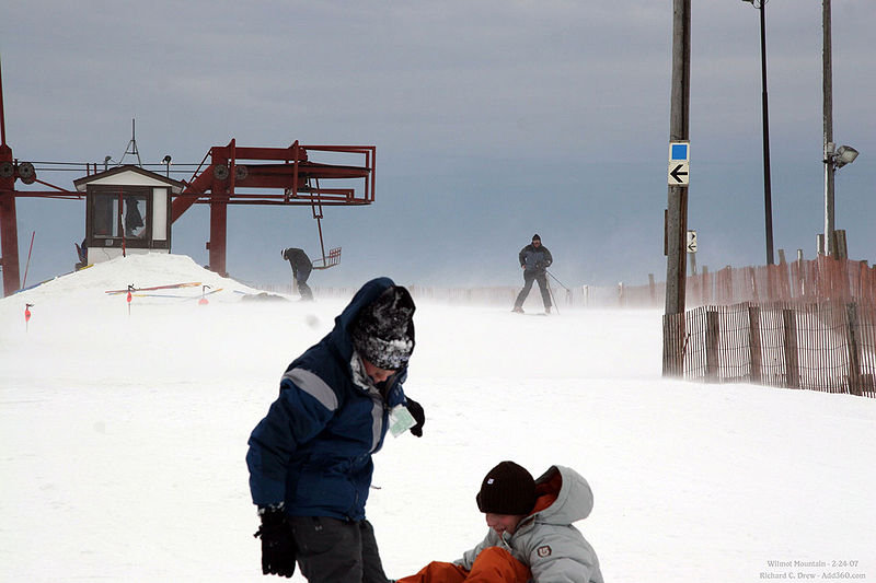High winds at Wilmot Mountain, Wisconsin