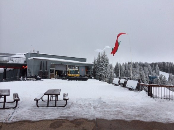 Windy New Years Day on Ajax.  Gondola still down, empty mountain, good skiing!!!