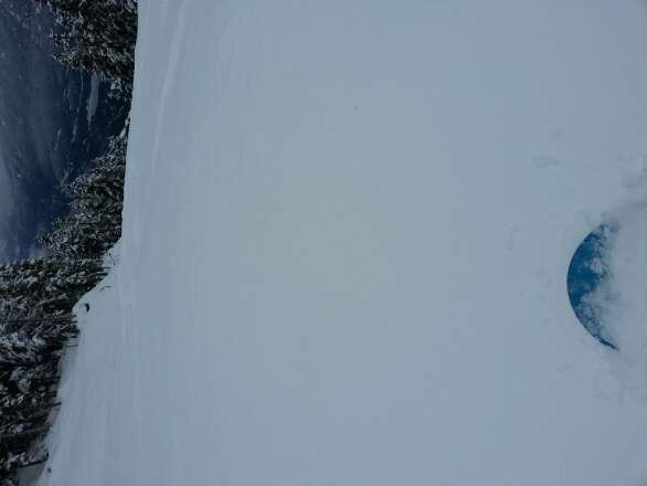 that picture is from Thursday. still here and 19 inches overnight. Blackcomb glacier had so much powder yesterday, I cant imagine what today wil be life