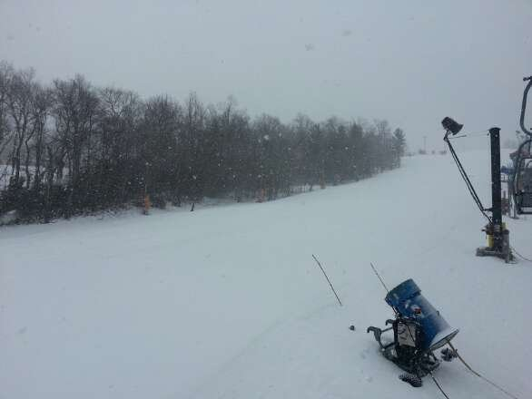good day at app today. maybe 1-2 inches of snow.