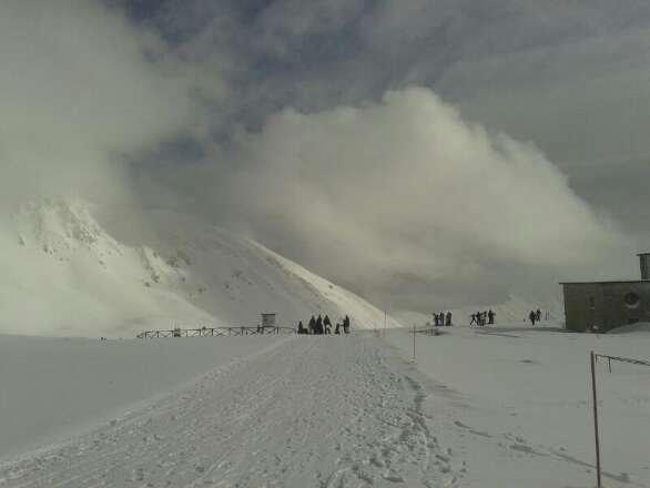 1-2-14 neve fresca nella notte. . . piste non battute. . . . il paradiso per noi snowboardisti. ...tanta tantissima neve
