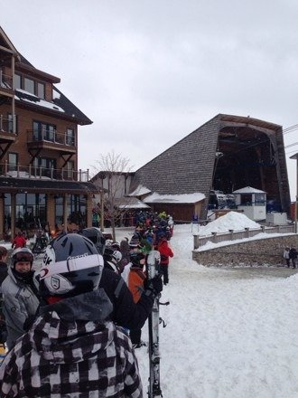 great day after the snow yesterday. long weekend lines but lots of nice snow