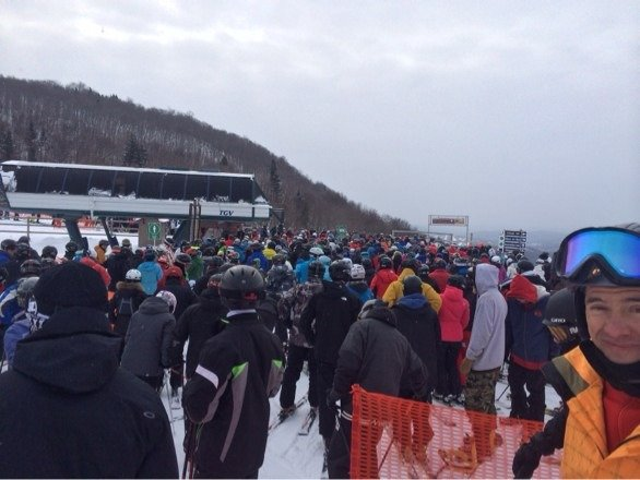 Great snow but huge lift lines on family day