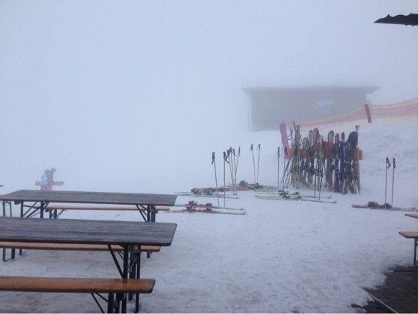Poor visibility today. Shame as slopes are very good today!