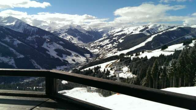 yesterday very sunny today but piste awesome no new snow in forcast