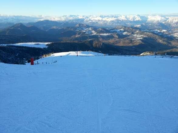 superbe temps avec une superbe neige poudreuse !!  un plaisir de skié