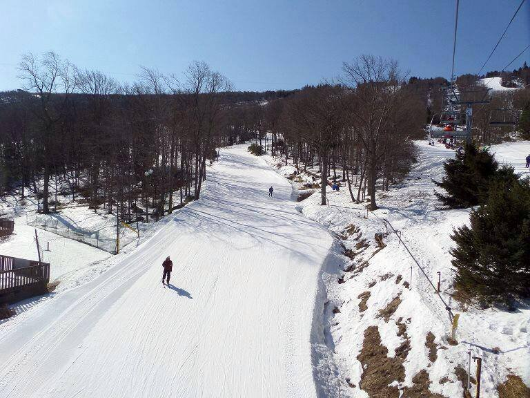 Spring skiing at Camelback Mountain Resort. - © Camelback Mountain Resort