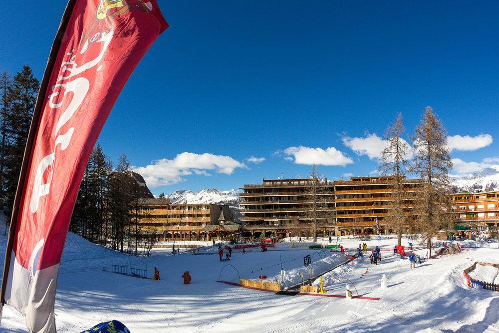 En front de neige, Praloup dispose d'un espace sécurisé dédié à la pratique du ski pour les enfants - © Bertrand Bodin / OT de Praloup