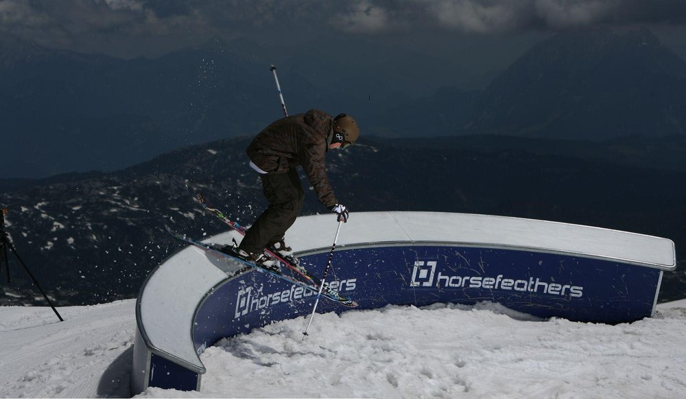 Dachstein-Gletscher - © Ancrix.com | BeneV @ Skiinfo Lounge