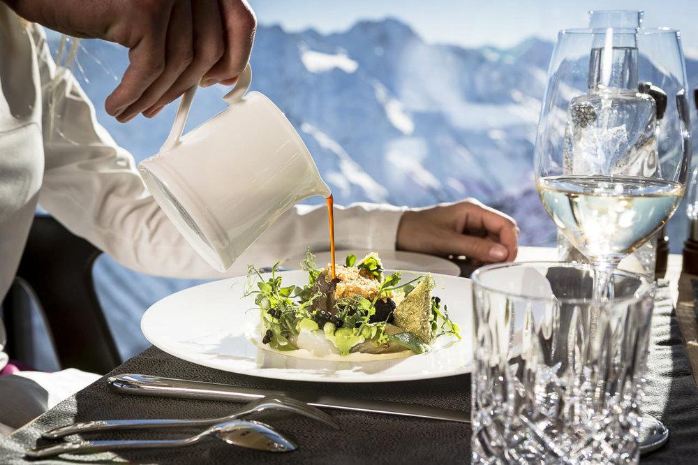 Dining im Ice-Q - © Ötztal Tourismus