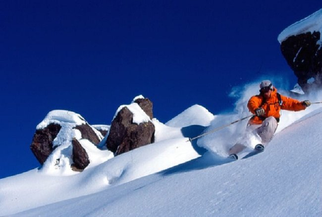 Skimming the icing: Off-piste skiing in Val Thorens - © Val Thorens Tourism