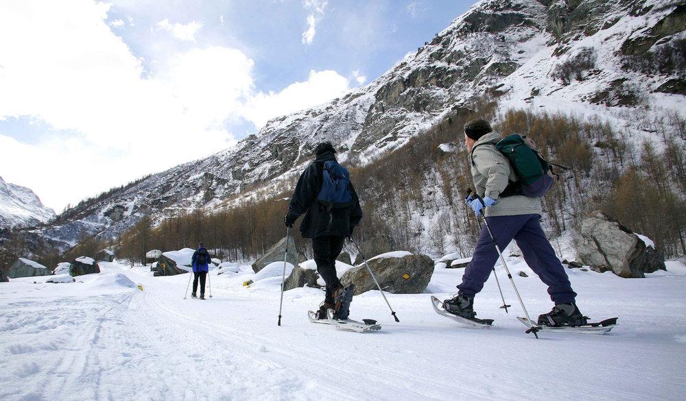 Balade en raquettes sur les sentiers du Val d'Anniviers - © Val d'Anniviers Valais