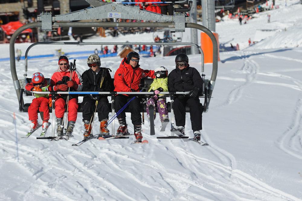 Ski en famille à Peyragudes - © JN HERRANZ / Maison de Peyragudes