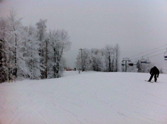 beautiful day, empty lines light snow- magic!