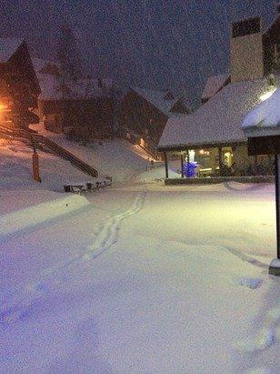 Bonnes vacances aux skieurs de na semaine du jour de l'an