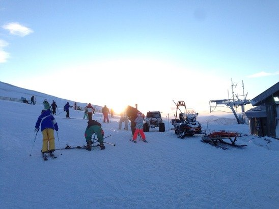 Busy but snow is still sparse and not many runs open - 18/01/15