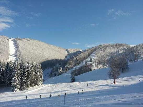 Finalmente inverno. ..oggi piste belle però con cumuli...domani sicuramente sarà il top!!