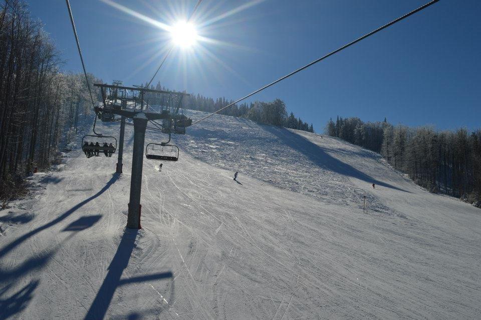 Slnečné svahy a lyžovačka za veľmi dobrých snehových podmienok - Snow Paradise Veľká Rača Oščadnica - © Facebook Snow Paradise Veľká Rača Oščadnica