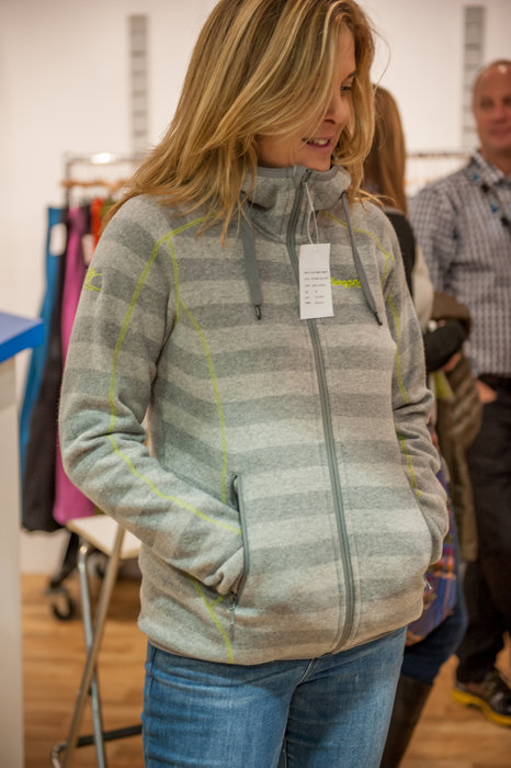The ever eye-catching Bergans Humle Lady Jacket is a mid layer we really must have. - © Ashleigh Miller Photography