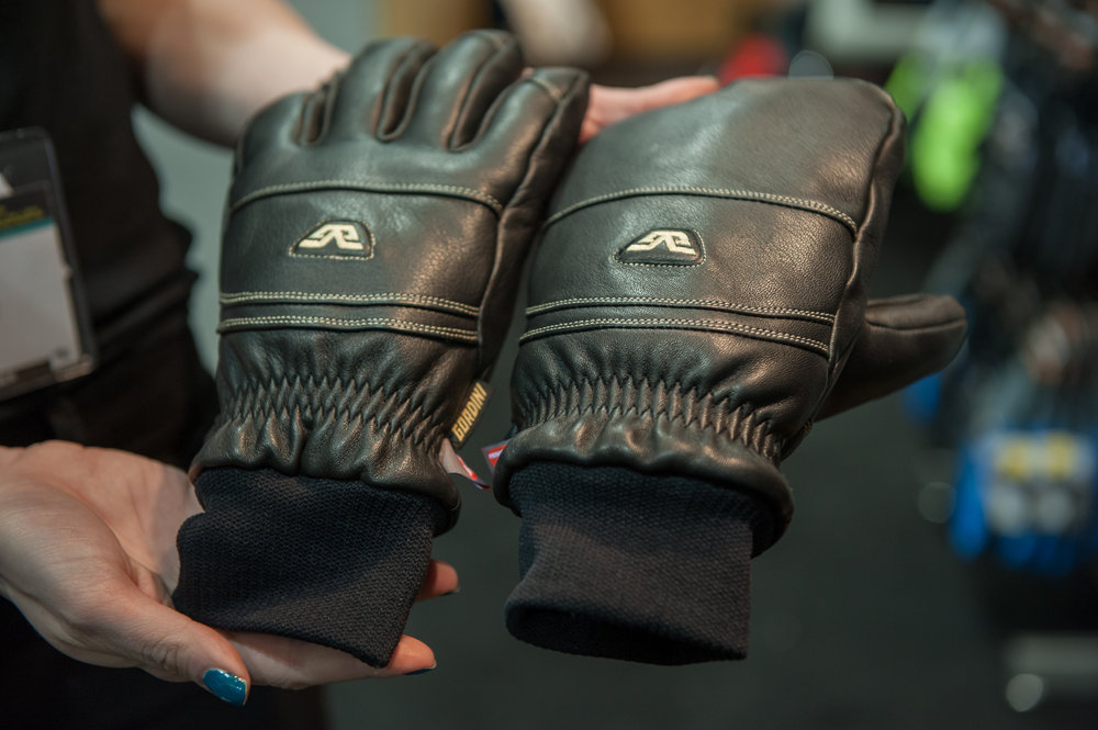 Gordini Paramount glove with Primaloft insulation. - © Ashleigh Miller Photography