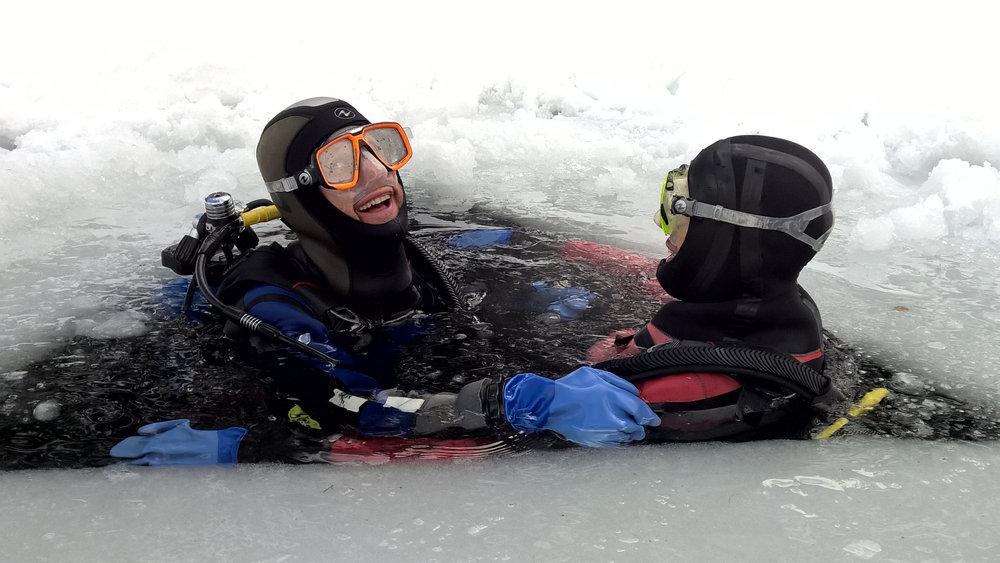 La plongée sous glace, une expérience totalement insolite sur La Norma - © Maison de La Norma