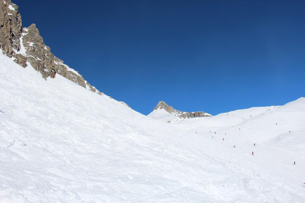 Blauer Himmel auf 1700 Metern in Disentis 3000 - © Skiinfo.de