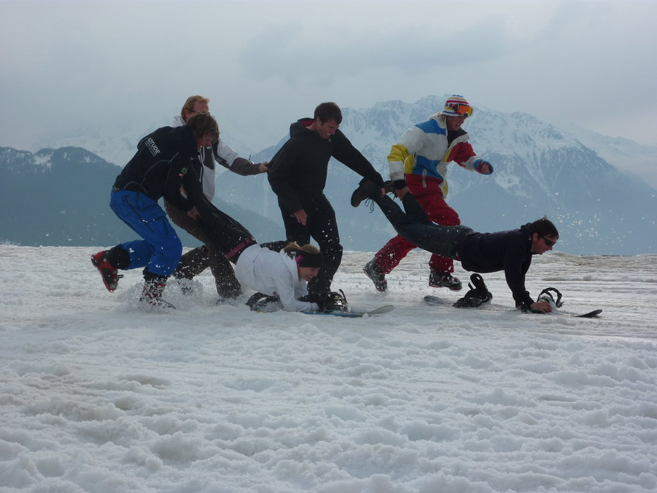 Altitude Ski & Snowboard School end of season games - ©dom2ski @ Skiinfo Lounge