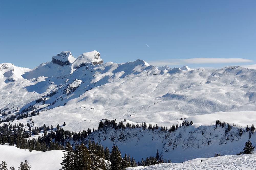 Das Skigebiet Hoch-Ybrig, leicht vom Flughafen Zürich aus zu erreichen - © www.hoch-ybrig.ch