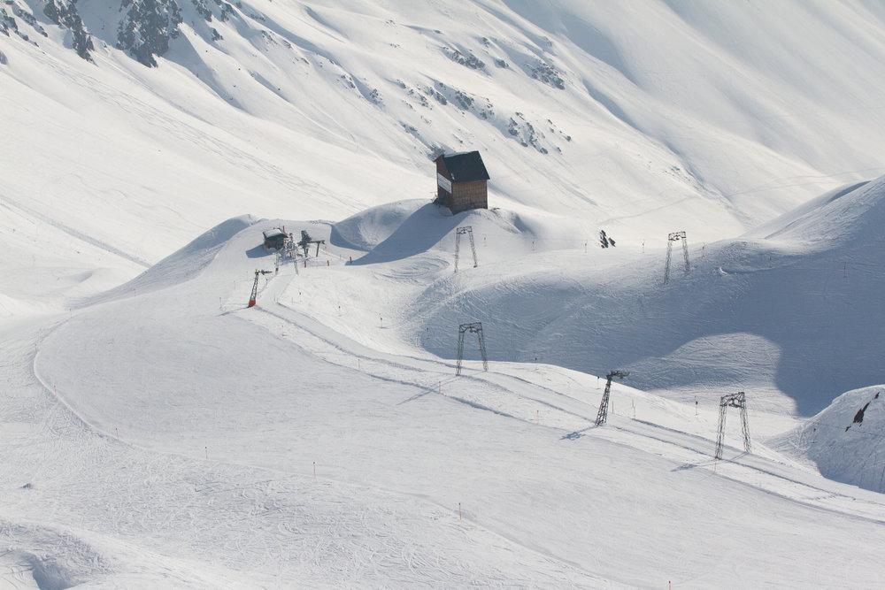 Blick vom Weissfluhjoch auf den Hauptertäli Schlepplift - © Skiinfo