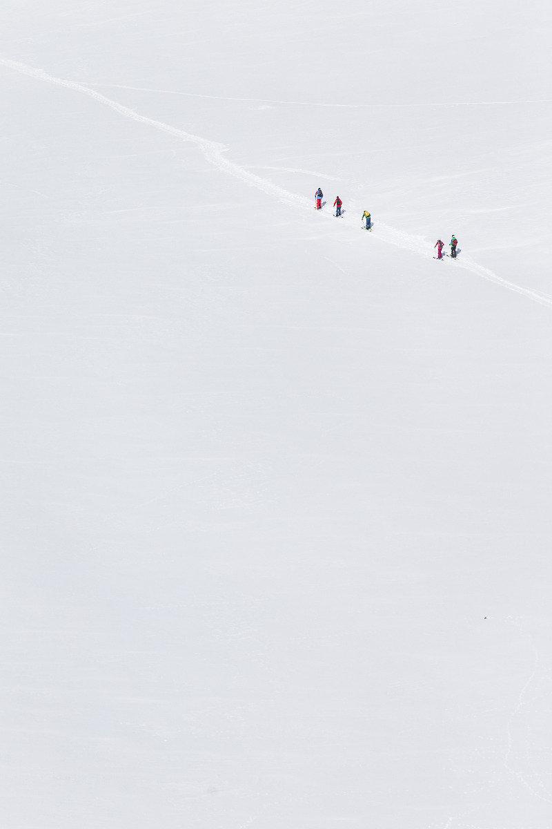 Endlose Weite: Von der Vernigel-Hütte geht es durch das Unteralptal zurück nach Andermatt - © Christoph Jorda | www.christophjorda.com