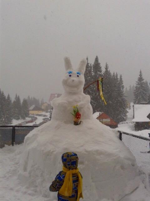 Easter bunny in Winterpark Martinky, Slovakia - © FB Martinky