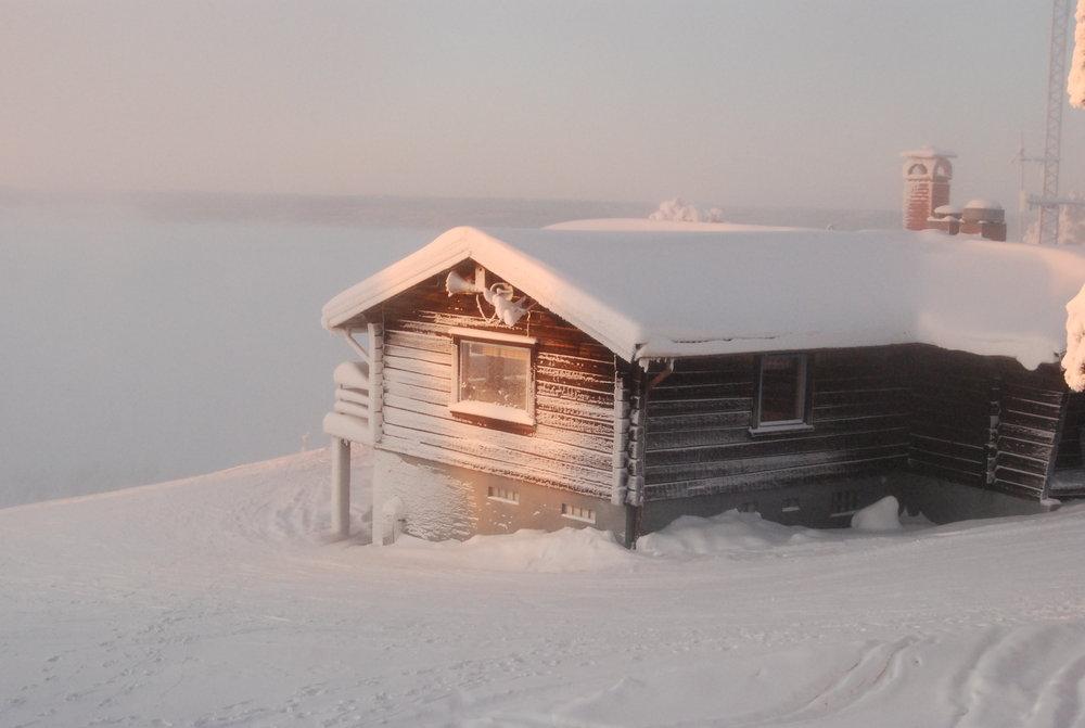 Toppstugan i morgondis - © Jonas Höglund | Rättviksbacken @ Skiinfo Lounge