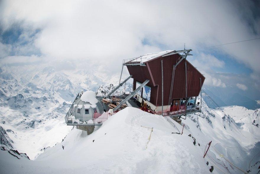 Le Mont-Fort et sa vue panoramique exceptionnelle sur plus de 20 majestueux 4000m dont le Cervin et le Mont-Blanc - © Aline Fournier
