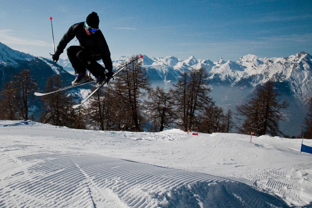 Improvisation freestyle sur les pistes de ski de Veysonnaz - © lafouinographe.com