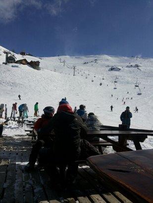 Cerro Catedral Alta Patagonia - Lastima el viento, pero cuanta nieve!! - © edcasa53
