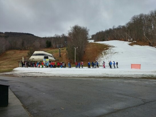 Wachusett Mountain Ski Area - Great to get the season going. Challenger and Ralph in good shape, a bit narrow in places.  - © Snowmen