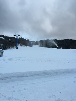 Sandia Peak - Not open yet, but good snow - © phone